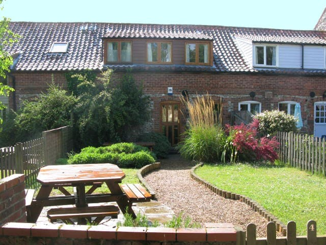 Burnham Market-Book for  2017 -  GREAT LOCATION - Norfolk - House