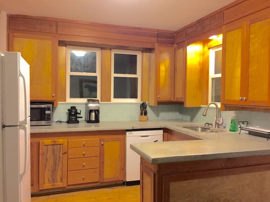 Brand new cabinets, countertops, and backsplash! Wake up to a fresh kitchen with a warm cup of coffee or espresso ☕️.