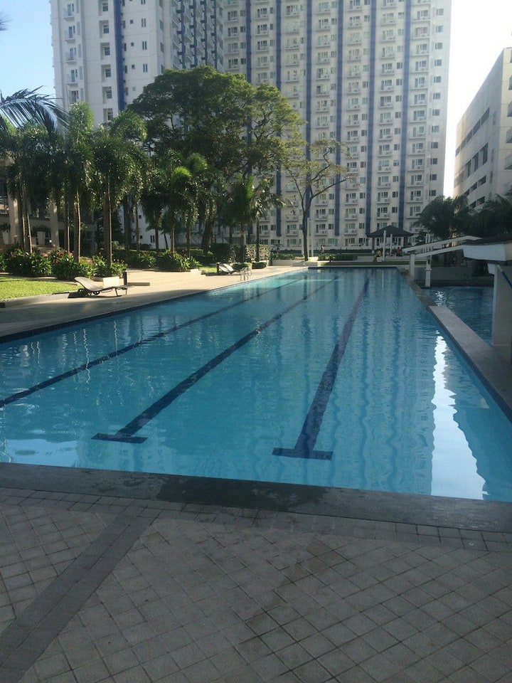 1br condo in the heart of Manila