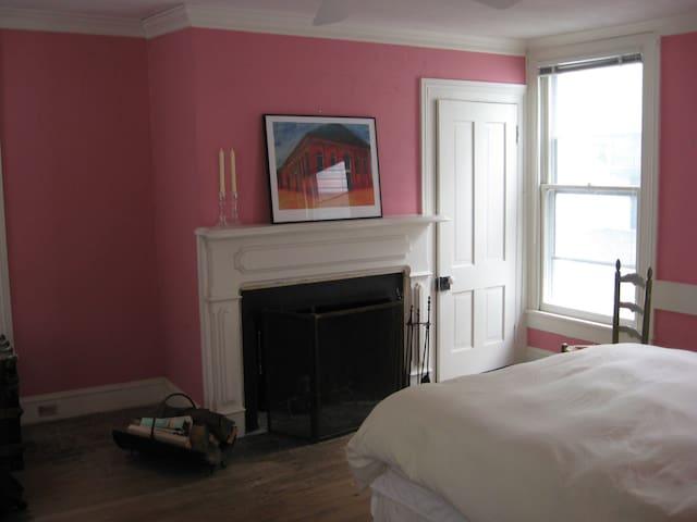 Queen Bedroom at the Leonard House