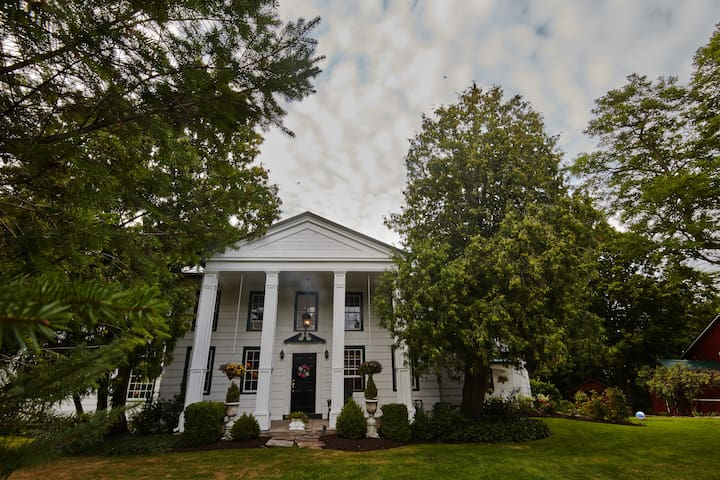 The Beal House, a Landmarked 4BR - Fairport - Rumah