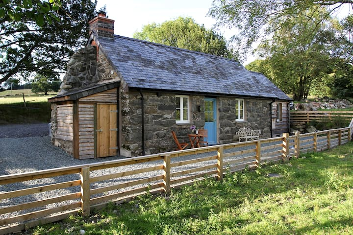 Romantic 1 bedroom holiday cottage
