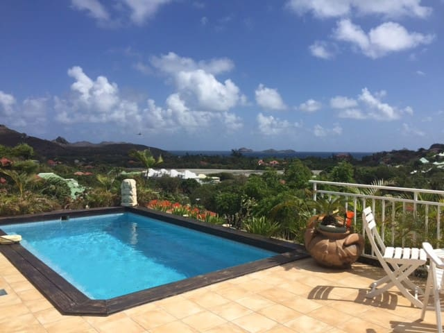 Private room in house with pool - Gustavia