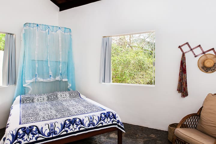 Suite com 25m² em casa aconchegante