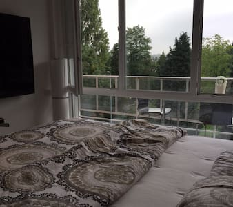 Cosy bedroom in small appartement - Aalst - Bed & Breakfast