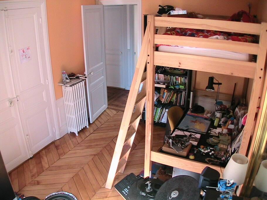 Chambre 3 (lit simple dans mezzanine)