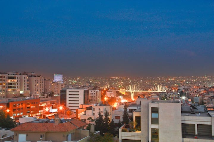 3 bedroom rooftop,with amazing view - Aman - Apartamento