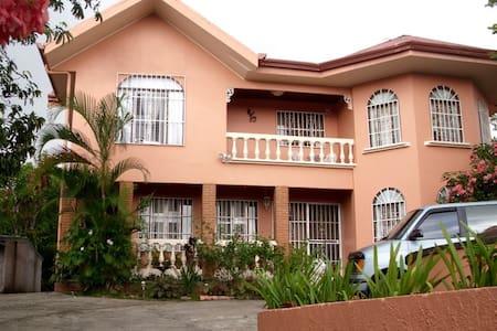 Quinta Villa Flores - Miramar - บ้าน