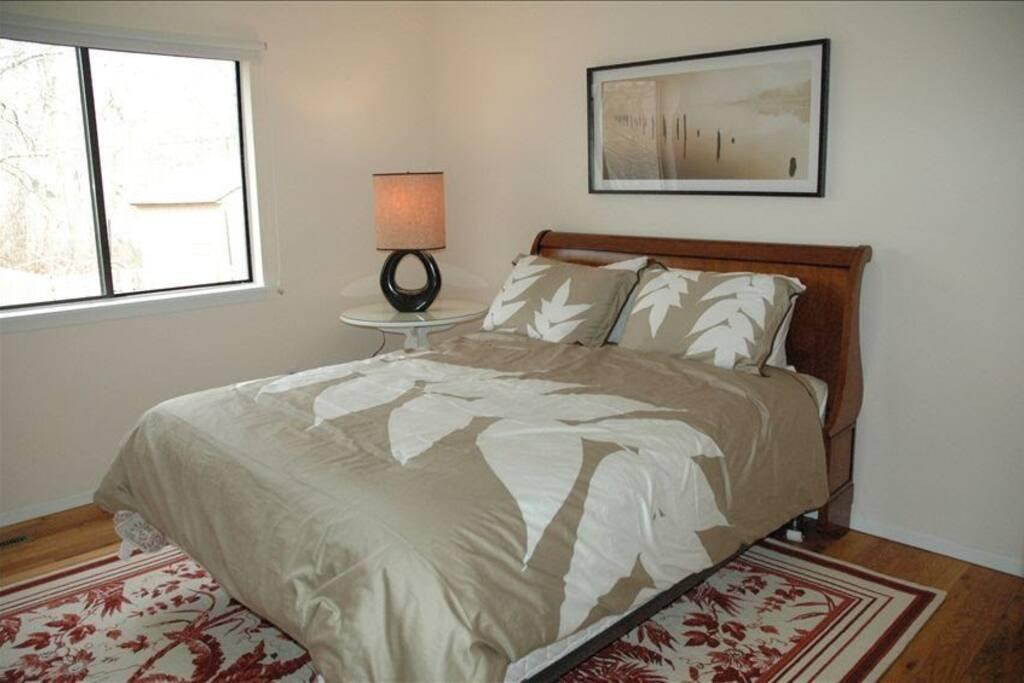 BEDROOM Queen Bed located downstairs