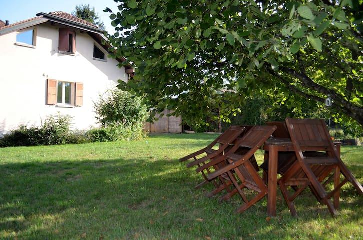 Student room in a nice villa+garden - Vandœuvres