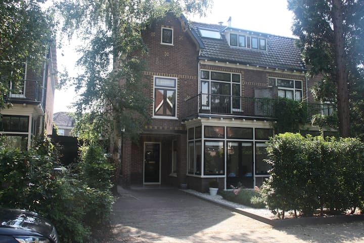 Spacious family home near amsterdam case in affitto a for Case amsterdam affitto