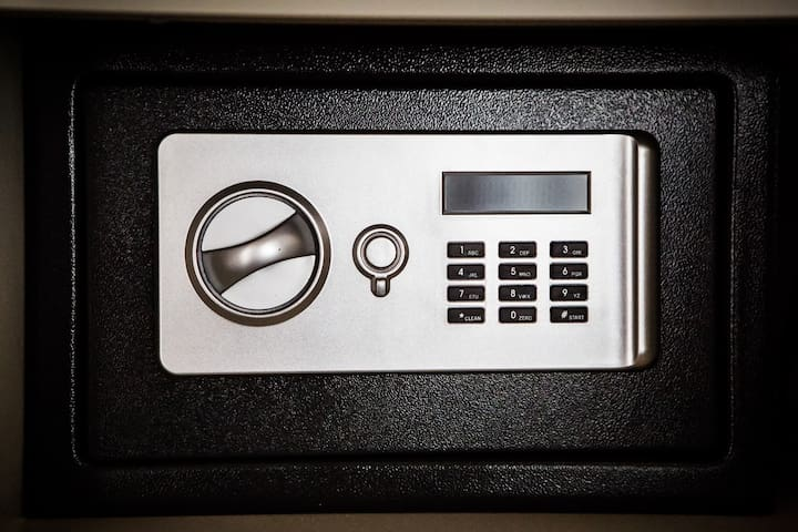 Private Electronic Safe!