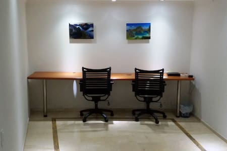 NOMAD Penthouse Priv.Bath + Office Poblado EAFIT - Medellín
