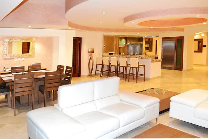 Villas De Cortez Penthouse