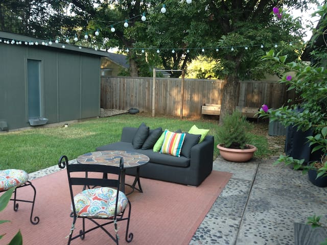 Adorable Private Guest House - Fort Worth - House