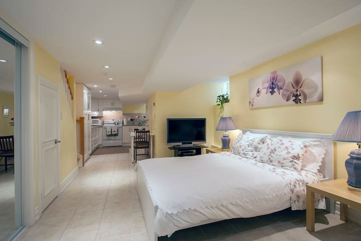 Carleton Village Guest House - Toronto - Appartement