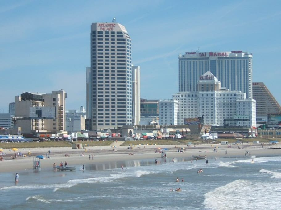 Atlantic City from the Playground Pier