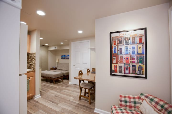 Beautiful New Studio Efficiency - Annapolis - Huoneisto