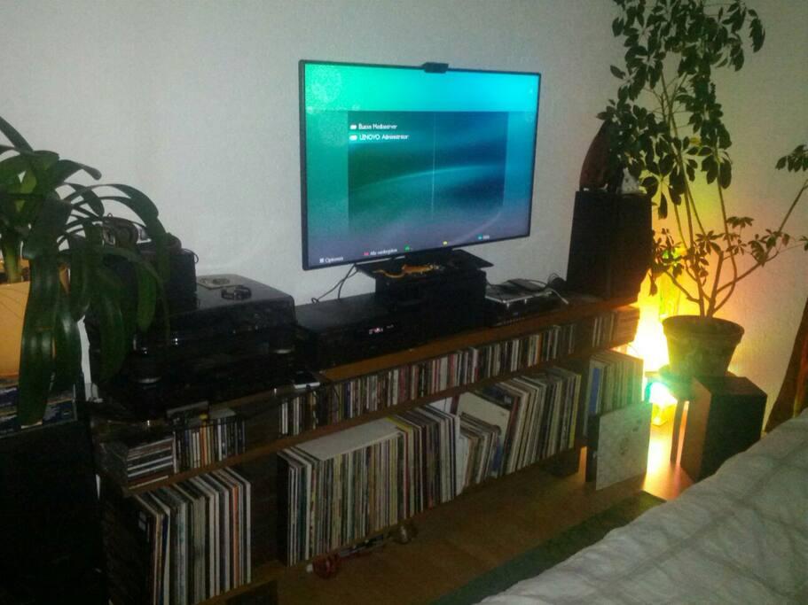 Bedroom with Smart-TV , Radio, CD