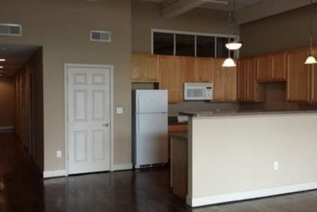 full size kitchen with all amenities
