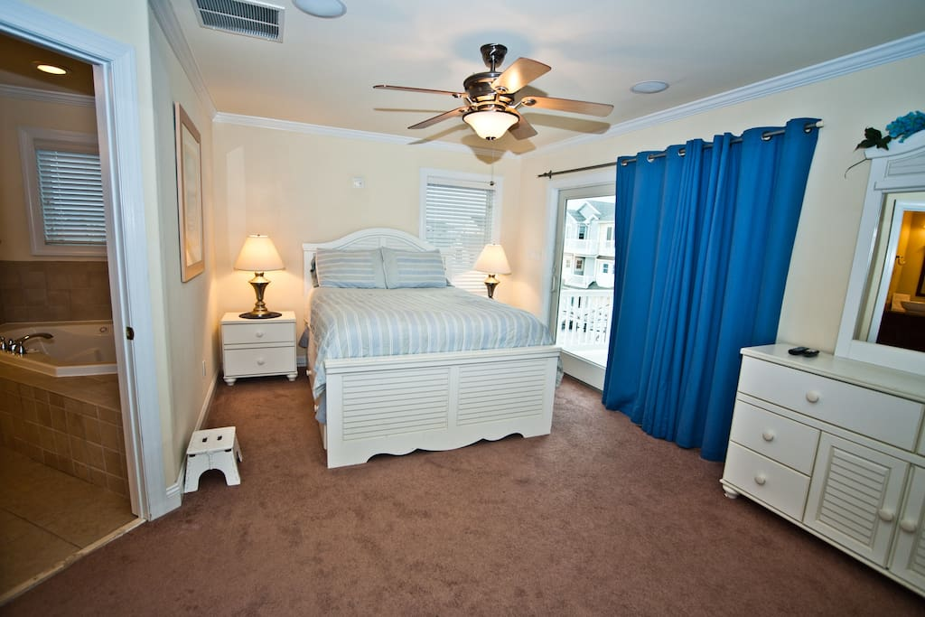 Perfect Master Bedroom with Deck and Water Views!