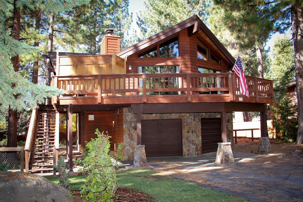 Beautiful dollar point cabin cabins for rent in for Tahoe city cabin rentals