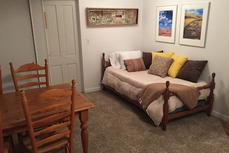 Simple and Comfortable in Pullman - Pullman - Casa