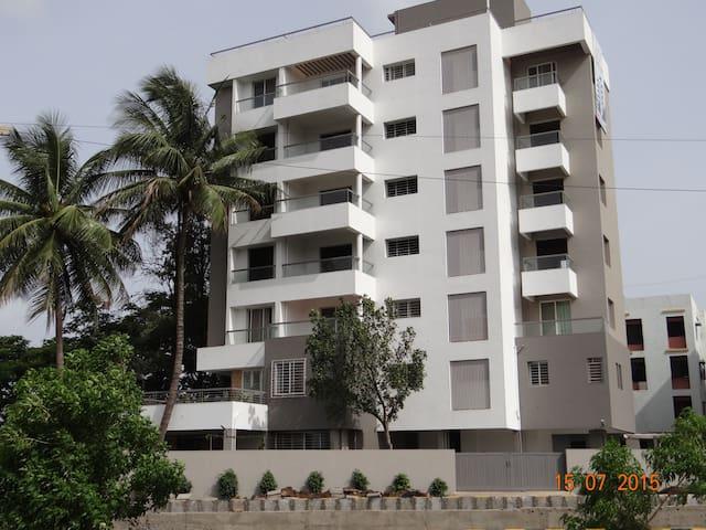 2 Deepanjali,Samarth Ramdas Swami Rd.Shivaji Nagar - Nashik - Apartemen