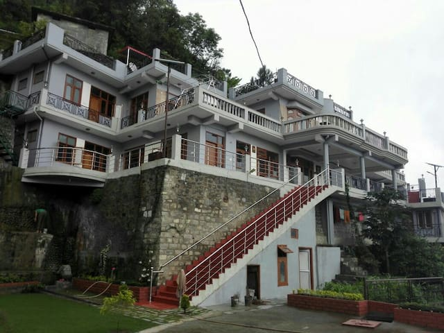 Valley facing independent House - Solan - Cabana