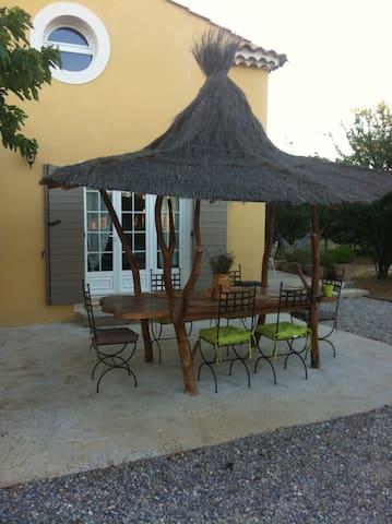 Chez Paul et Corinne - Puyvert - Casa
