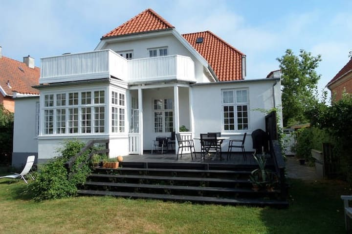 Lovely villa near city and sea - Gentofte - Rumah