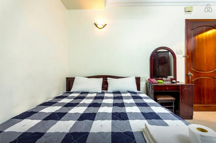 Best Room, City Center (No Window) - Ho Chi Minh City - House