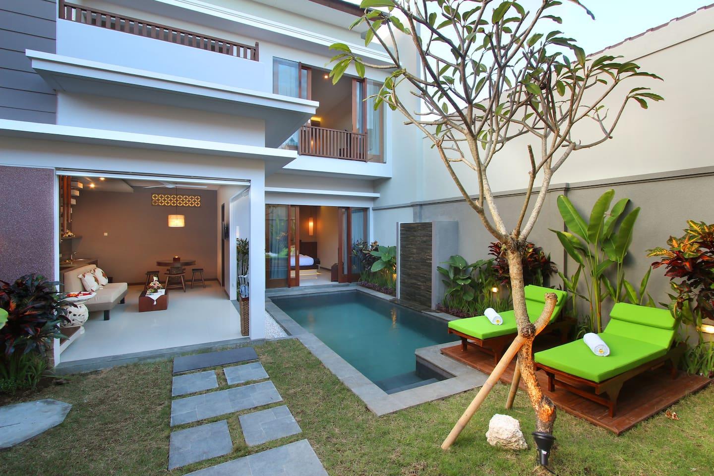 Private Garden & Pool
