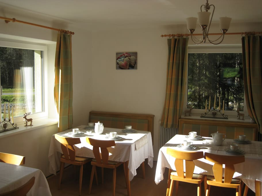 Our breakfast room with view onto the stream
