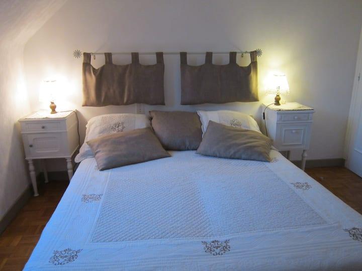 grd chambre confortable, sdb privee