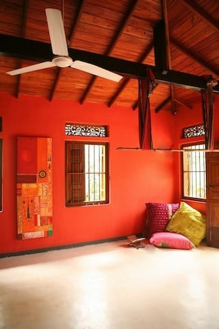 LOVELY SPACIOUS ROOM IN JUNGLE HOUSE - Galle - Casa