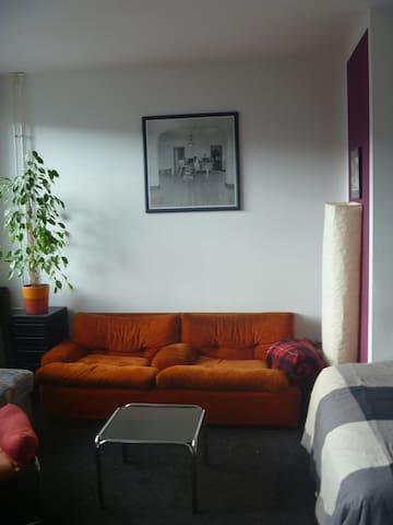 Zimmer mit Balkon in Kreuzberg