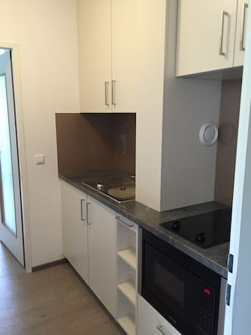 Studio apt: 15 min from Citycenter - Monachium - Apartament