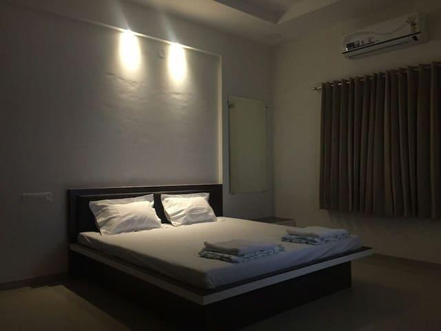 Avani Heights 103 by House Khas - Nashik - Appartement