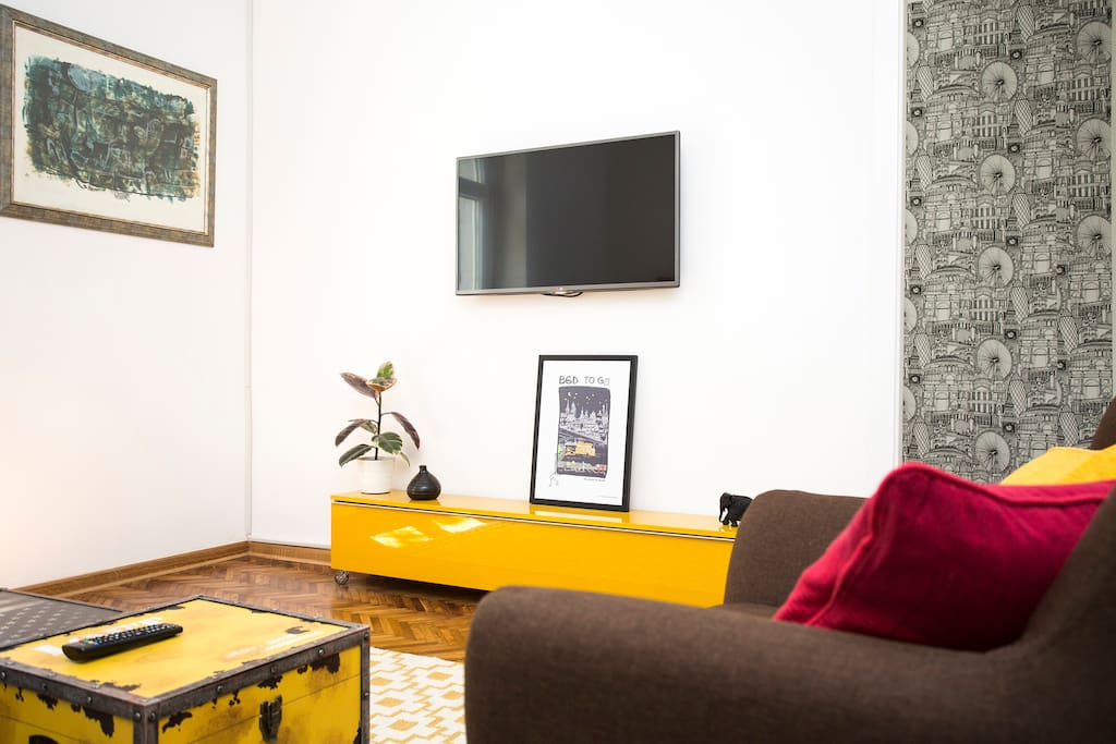 Living Room to the Bedroom with a new Wall Decoration