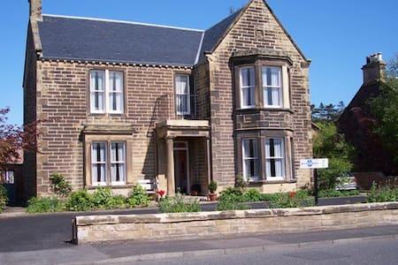 Springfield Guest House - Dunbar
