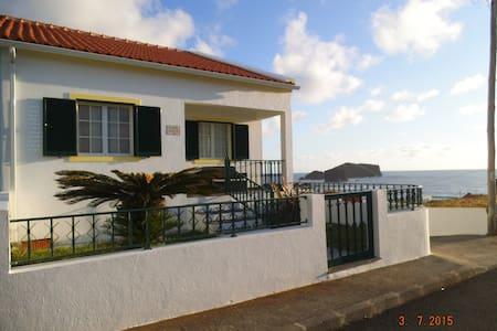 Casa Por Sol - Mosteiros