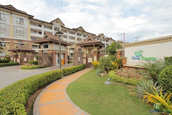 1 BEDROOM CONDO UNIT AT ONE OASIS - Davao City - Condomínio