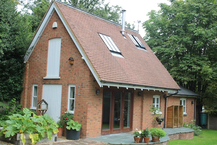 Cosy house near Woburn Golf Club - Woburn Sands - Casa