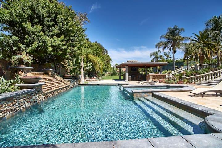 Gated Estate Pool,Spa,Tennis,Acre+ Private Oasis