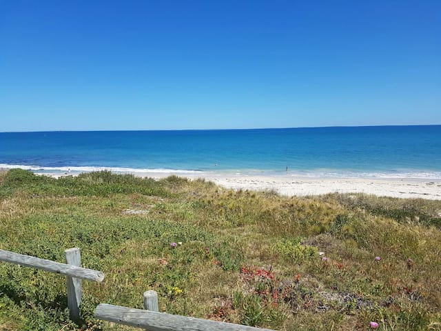 By The Sea at Cottesloe Beach - Cottesloe - บ้าน