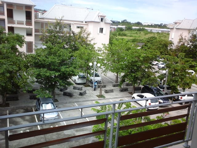 A big and quiet 6 persons appartement - La Possession - Apartamento
