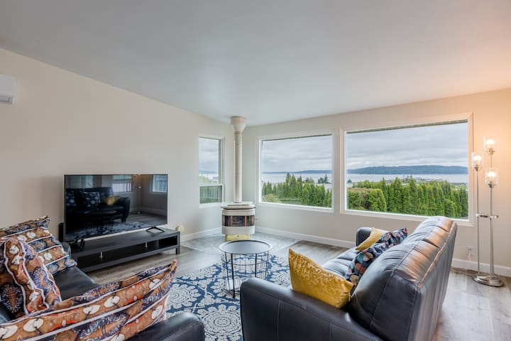 Private Townhouse, water view near Seatac Airport