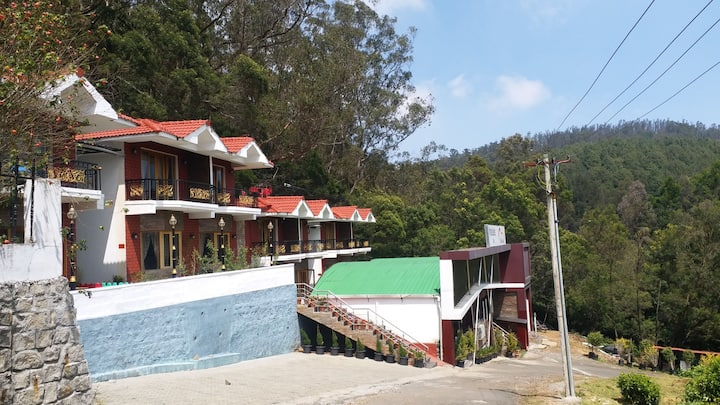 Suite room laxuary stay at ooty honeymoon