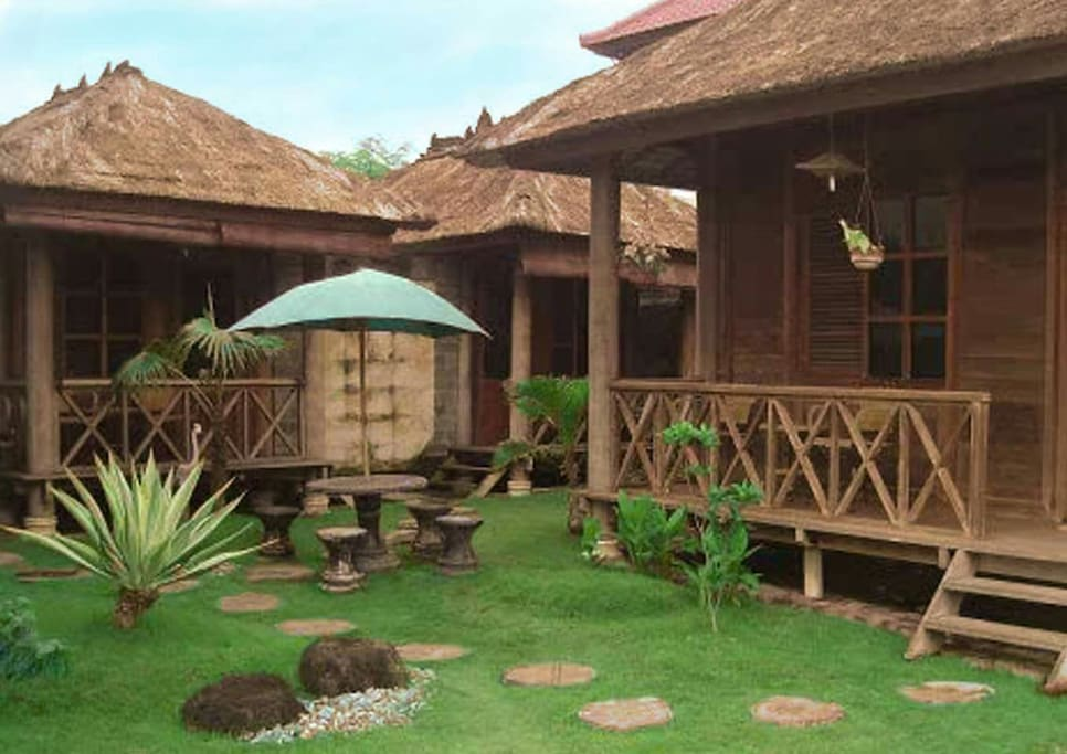 Cozy and comfort cottage in bali huts for rent in for Cottage bali